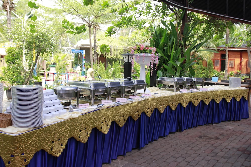 Cheer Your Event More with Buffet Package